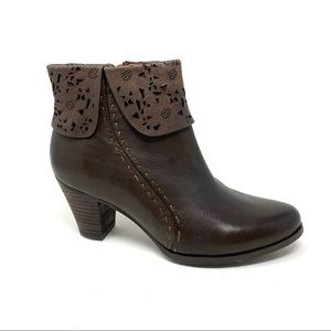 L'Artiste by Spring Step Modella brown boots